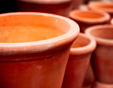 Diy projects using terra cotta clay pots jane street for Terracotta works pots