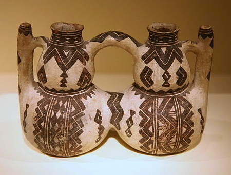 512px-Ceramic_Kabyle_peoples_double_vessel_(19th_century)