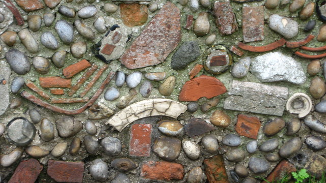 Garden_wall_-_geograph.org.uk_-_1000595